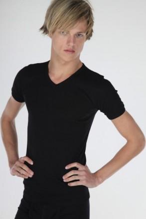 T-shirt v-hals (zwart)